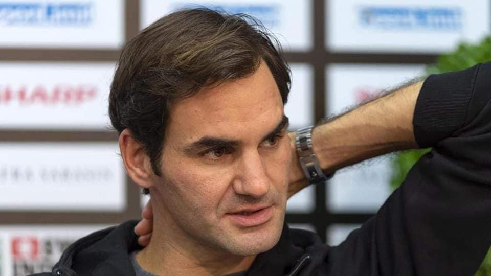 """Federer, ginocchio destro K.O: """"Mi opero"""" tifosi in apprensione"""
