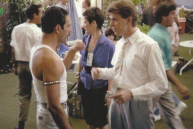Quel fortunato incontro tra Freddy Mercury e David Bowie dietro le riprese di un celebre film