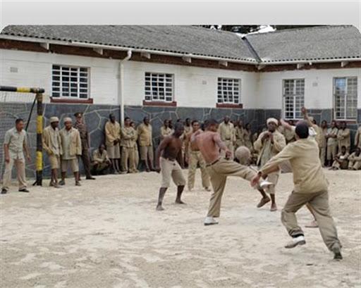 Mandela, il carcere, il calcio, l'Eccellenza che riprende
