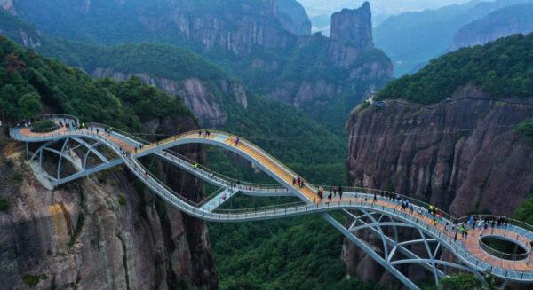 Il ponte che non ci dovrebbe essere, ma c'è!
